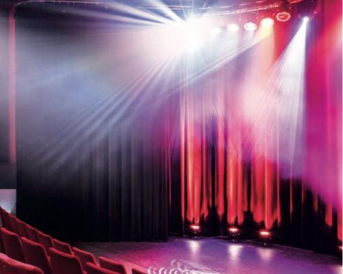 We beschikken over een zeer goed uitgeruste Theaterzaal voor meer dan 200 personen en diverse kleinere zalen.
